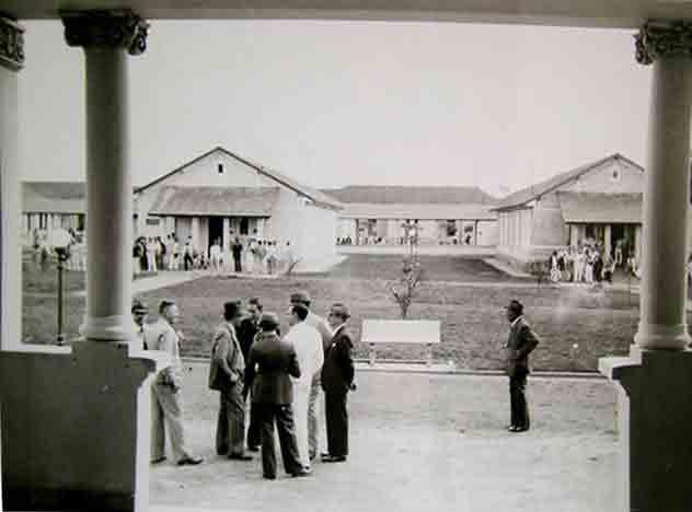 The pavilions at Aimorés