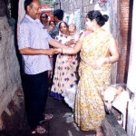 Case detection survey in progress in a Calcutta slum. 2001