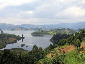 https://en.wikipedia.org/wiki/Lake_Bunyonyi
