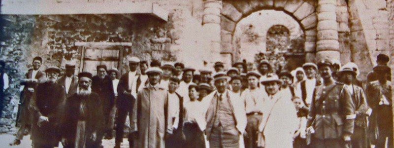 Doctor, priest, and inmates at Spinalonga, 1931